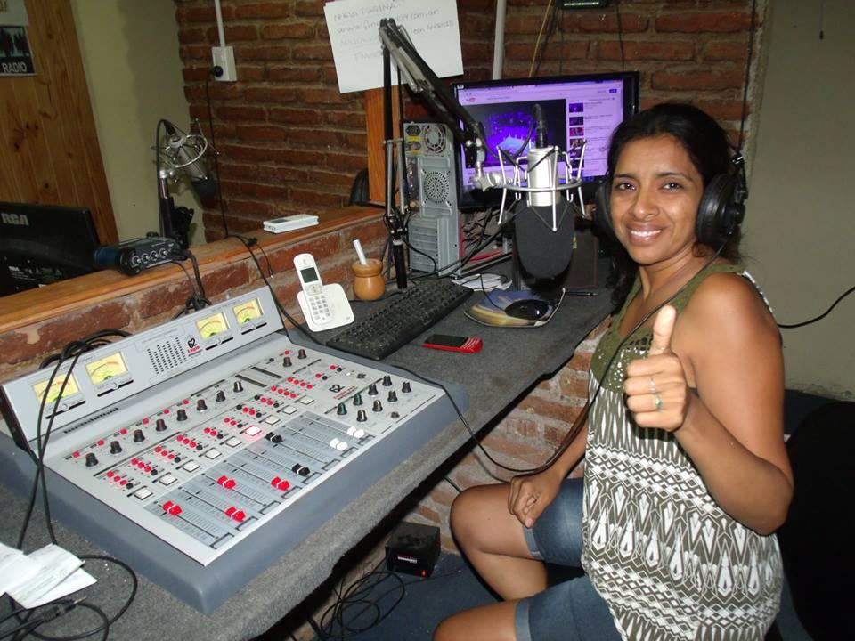 Patricia Villada suele hacer programas de radio en la ciudad de Cruz del eje y sale diariamente por radio el Faro de Cosquin para Cadena Informativa Cordoba
